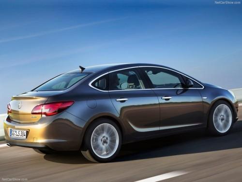 Новый Opel Astra Sedan 2013