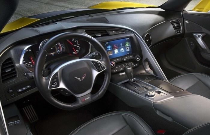 салон Chevrolet Corvette Z06 2014-salon