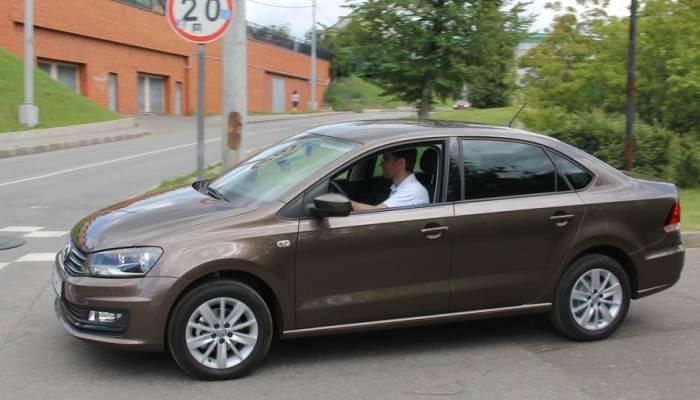 Volkswagen-polo-sedan-zamena-remnya