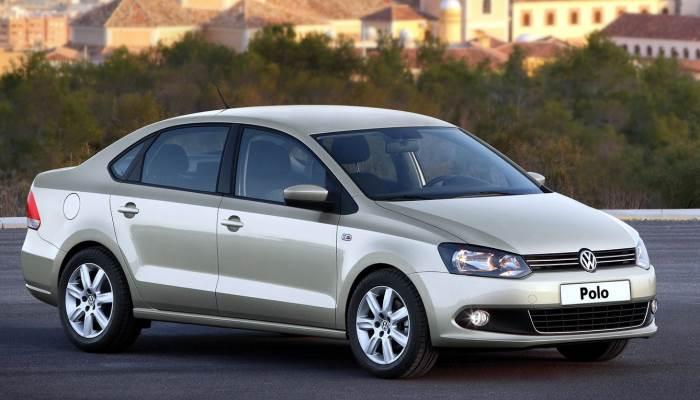 zamena-toplivnogo-filtra-vw-polo-sedan-1.6