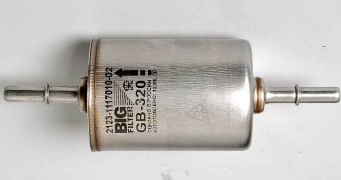 chevrolet-niva-zamena-toplivnogo-filtra-6