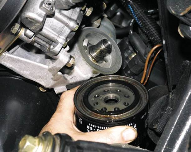 zamena-masla-Chevrolet-Niva-3