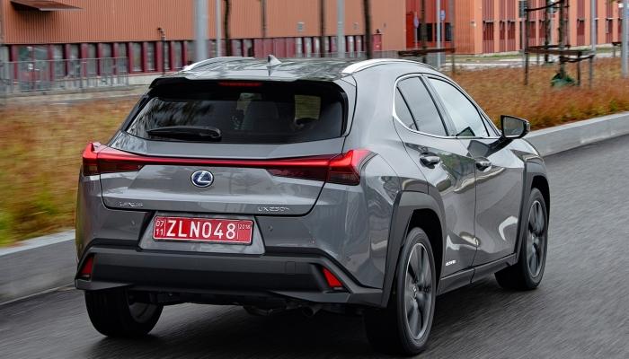 Lexus UX-2019 (3)