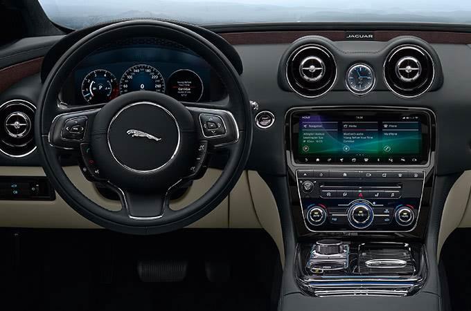 Jaguar XJ -2019
