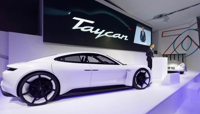 2020-Porsche Taycan