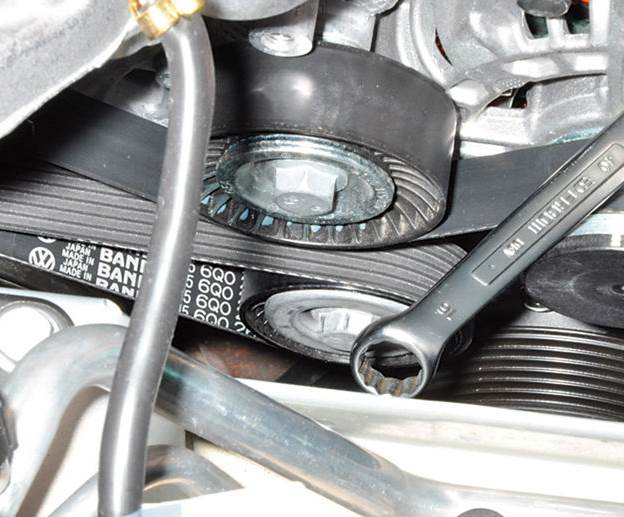 Volkswagen-polo-sedan-zamena-remnya-foto