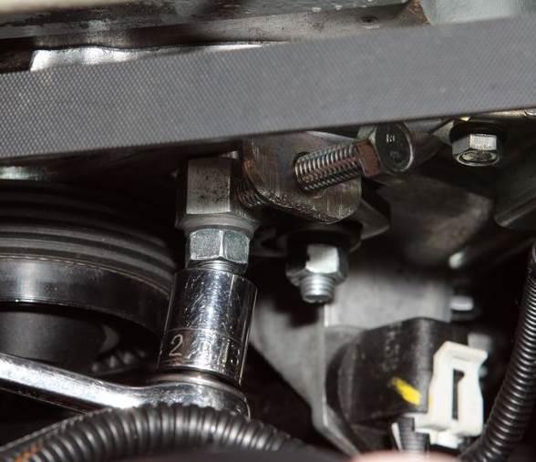 chevrolet niva zamena remnya generatora 1 - Схема установки ремня генератора на шевроле нива